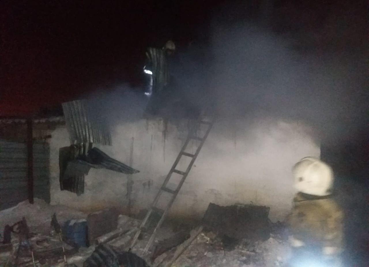 На месте пожара, в котором погибли пятеро детей