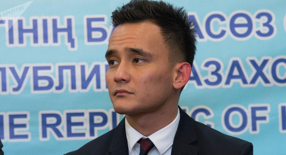 Певец Али Окапов