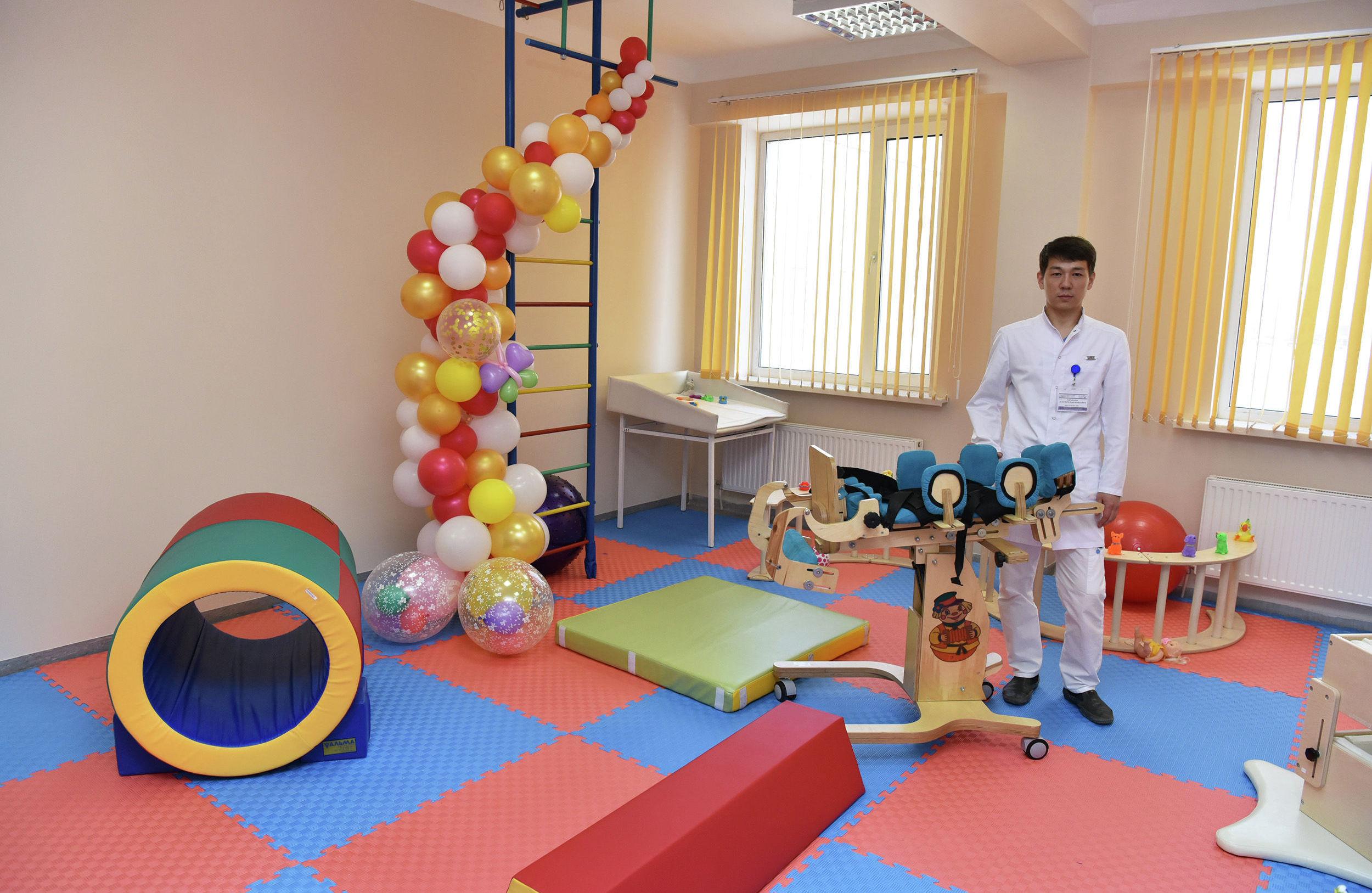 Во второй городской больнице Астаны открыли бесплатное отделение катамнеза для детей от ноля до года