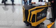 Робот-уборщик за 2,5 миллиона тенге помыл пол в аэропорту Астаны