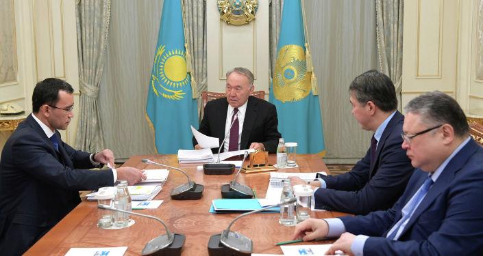 Нурсултан Назарбаев встретился с первым заместителем председателя партии Нур Отан Мауленом Ашимбаевым