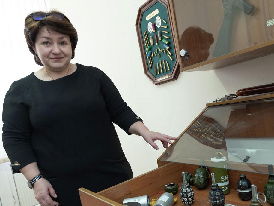 Галина Усова руководит учебным центром авиабезопасности в аэропорту Алматы