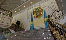 Герб и флаг Казахстана