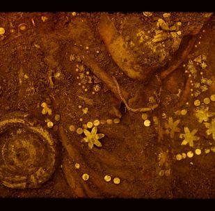 Золотые украшения, найденные в кургане Тилля-тепе в Афганистане