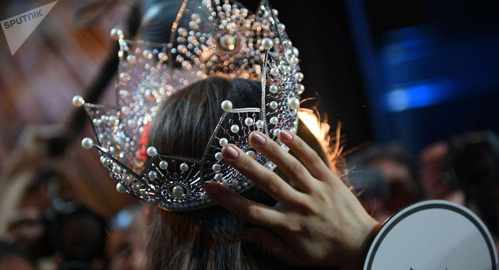 Корона на конкурсе красоты