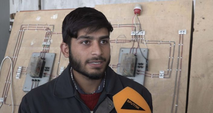 Студент Муджиб Рахман стремится стать хорошим инженером, чтобы улучшить жизнь афганского народа