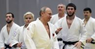 Владимир Путин во время тренировки по дзюдо, архивное фото