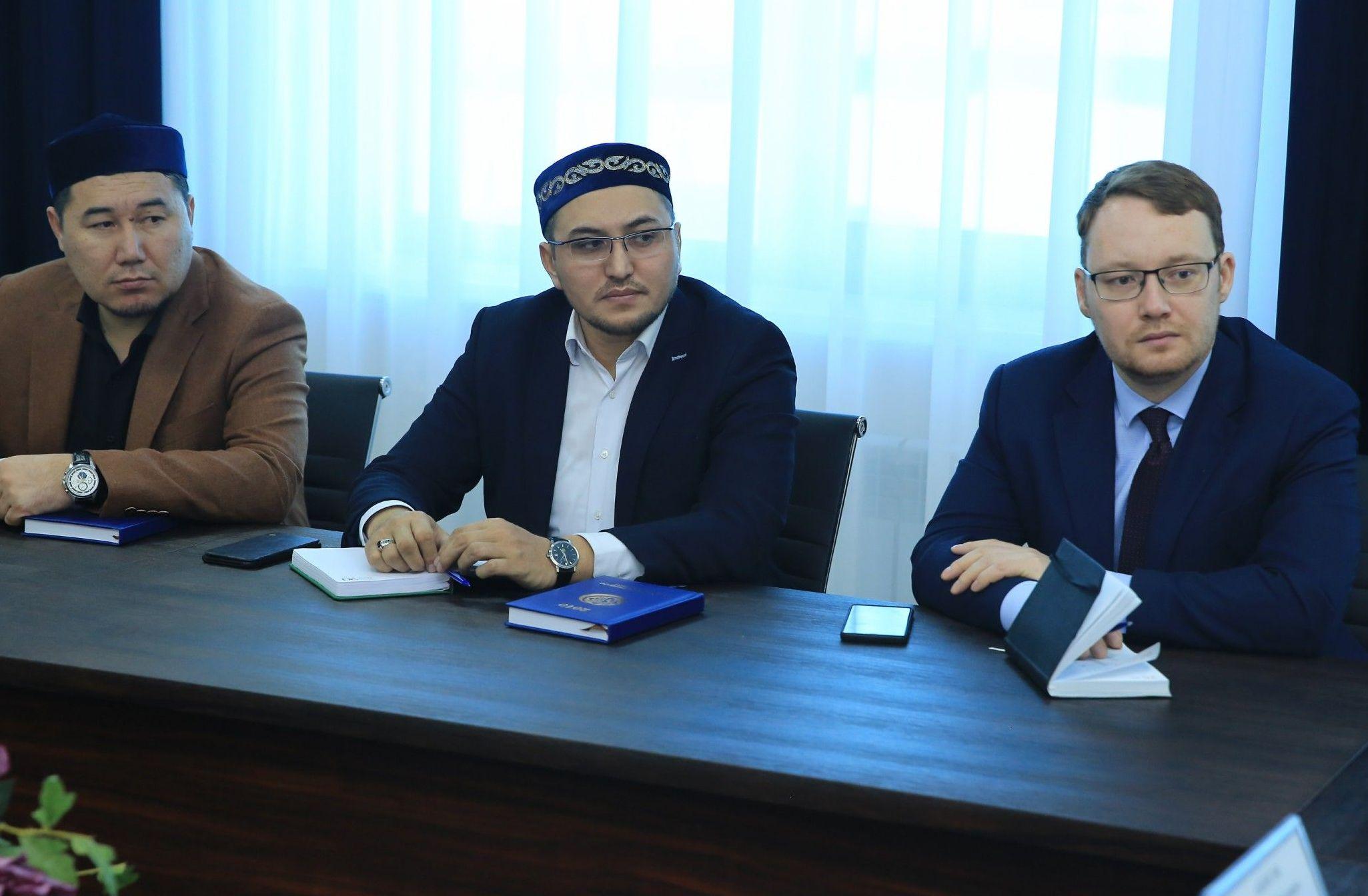 Делегация Совета муфтиев России и Духовного управления мусульман Российской Федерации побывала в Астане с визитом