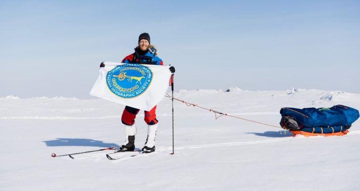 Норвежский исследователь и путешественник Уильям Бихолт впервые в истории независимого Казахстана пытается пересечь озеро Балхаш на лыжах.