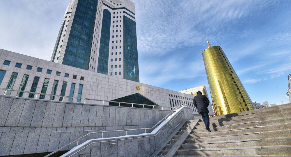 Здание правительства РК в Нур-Султане