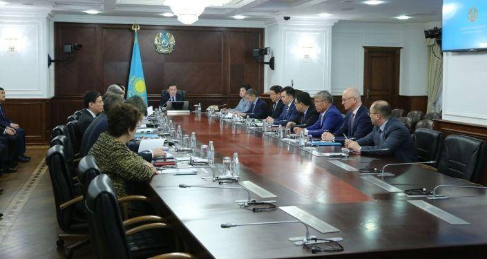 Первое заседание правительства Аскара Мамина