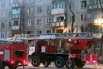 Пожарный автомобиль возле дома, где произошел взрыв газа
