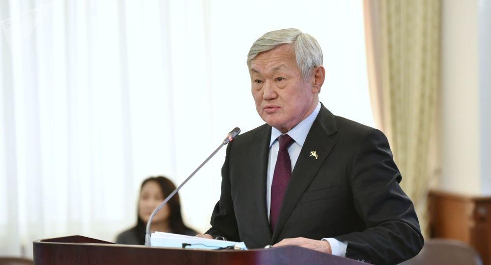 Еңбек және халықты әлеуметтік қорғау министрі Бердібек Сапарбаев