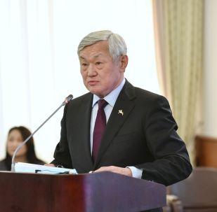 Министр труда и соцзащиты населения Бердибек Сапарбаев
