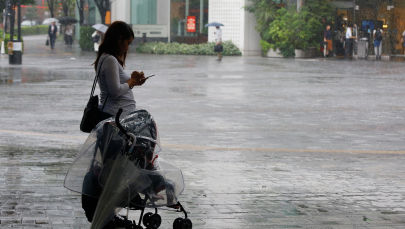 Женщина с коляской