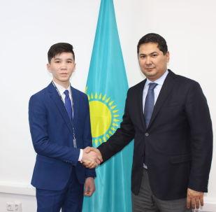 Ученик 9 класса Дамир Бозаев стал внештатным советником