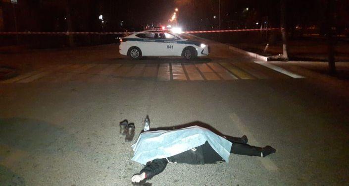 Двух пешеходов сбили на большой скорости