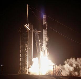Космический корабль Илона Маска Crew Dragon успешно пристыковался к МКС