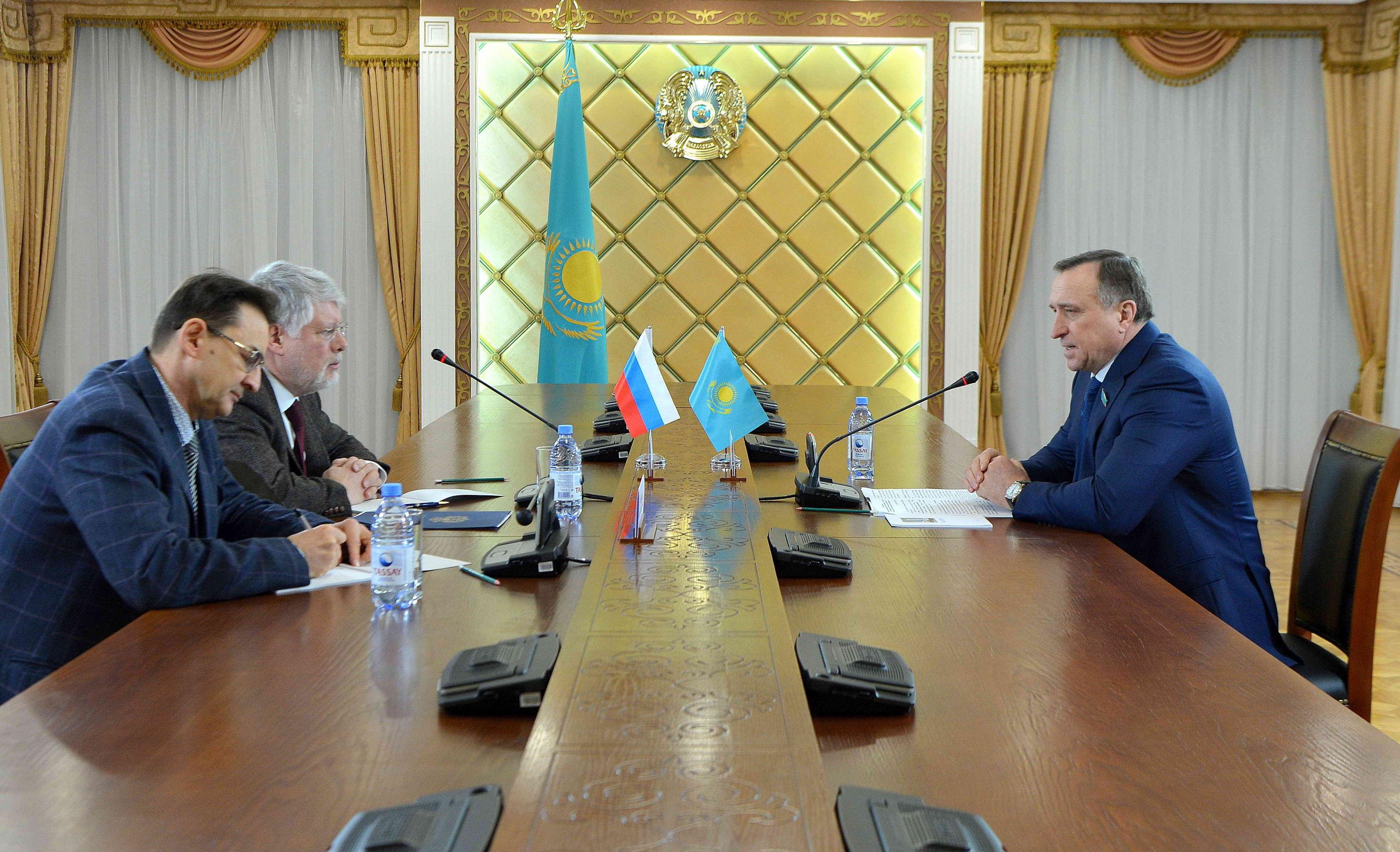 Посол России в РК Алексей Бородавкин  встретился с заместителем спикера сената Сергеем Громовым