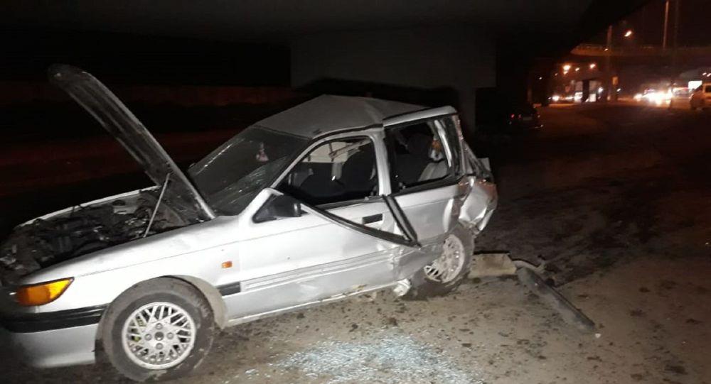 Автомобили вылетели под мост развязки
