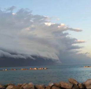 Страшное облако напугало жителей Италии