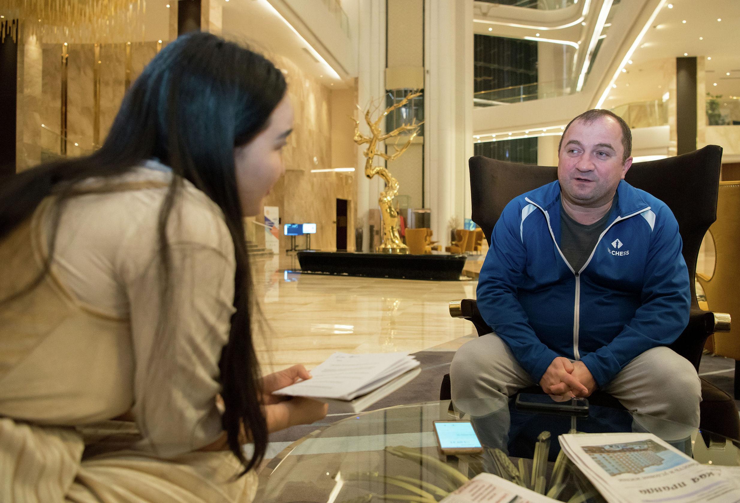 Тренер женской сборной США по шахматам Меликсет Хачиян