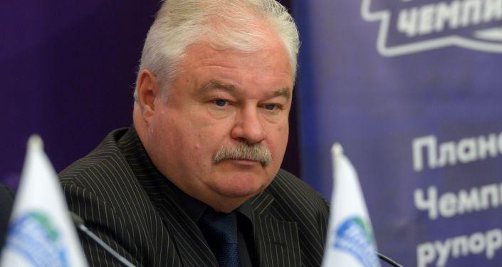 Заслуженный тренер России  Владимир Плющев