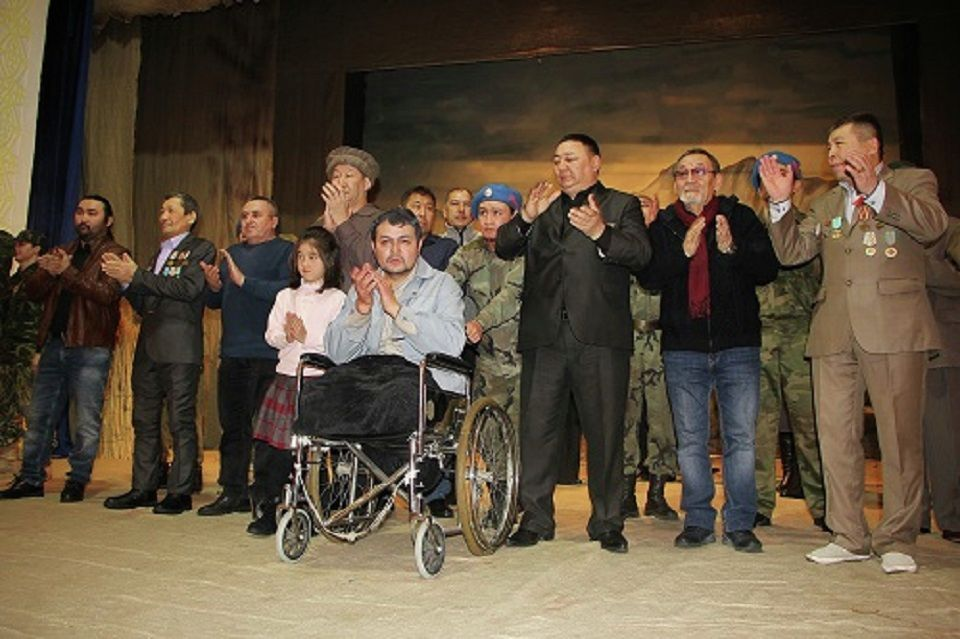 Серке Қожамқұлов атындағы театрдағы Ауған қасіреті қойылымы