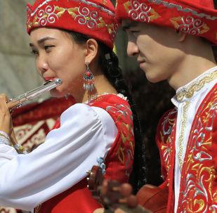 В Алматы начались праздничные гуляния в честь Наурыза