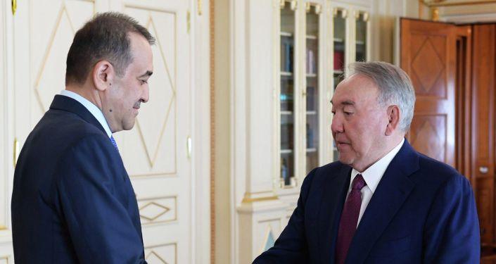 Нурсултан Назарбаев вручил Кариму Масимову генеральские погоны