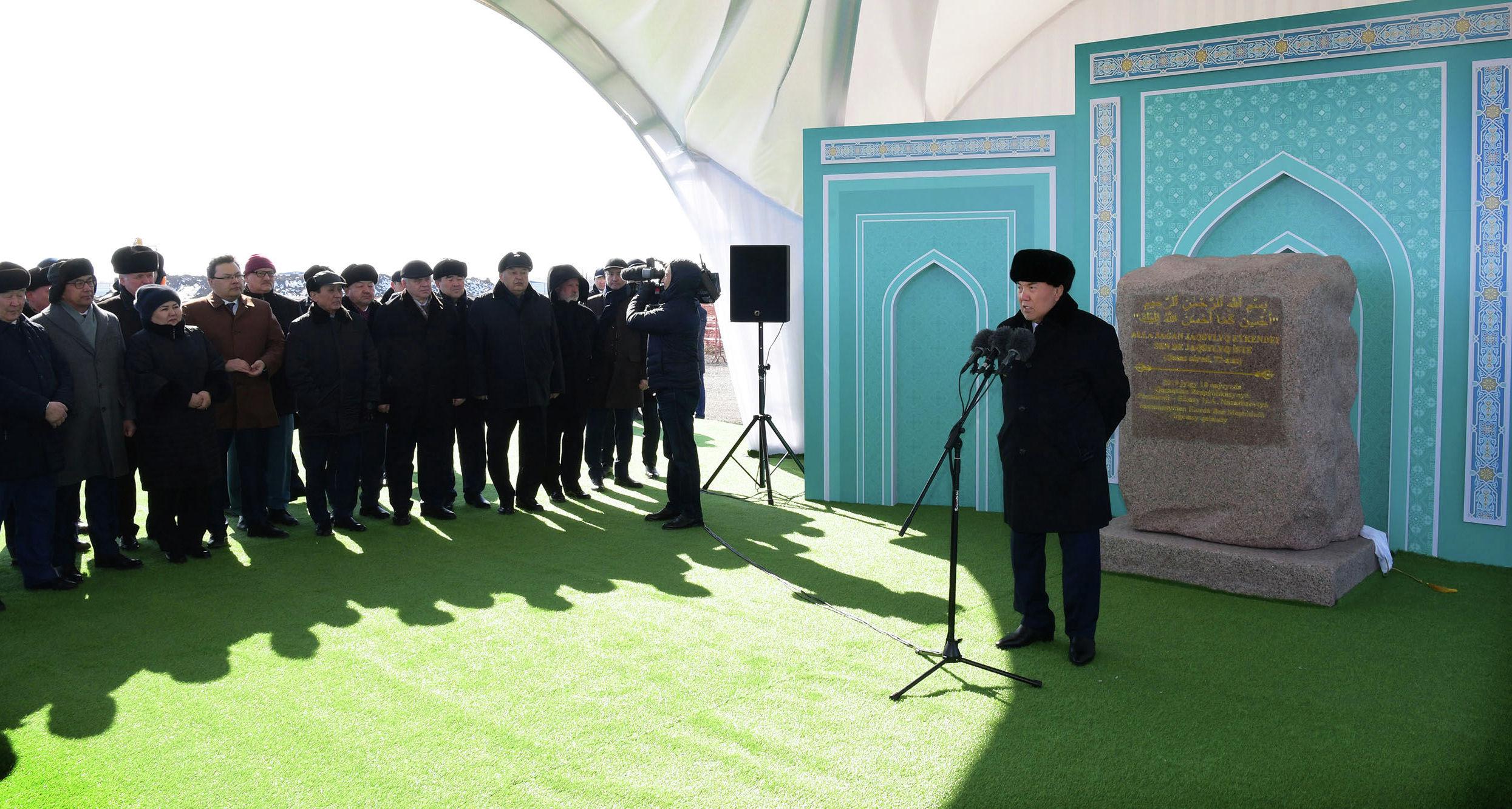 Картинки по запросу назарбаев новая мечеть астана