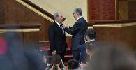 Нурсултан Назарбаев удостоен знаком особого отличия Алтын Жулдыз и званиее Халық каhарманы (Народный герой)