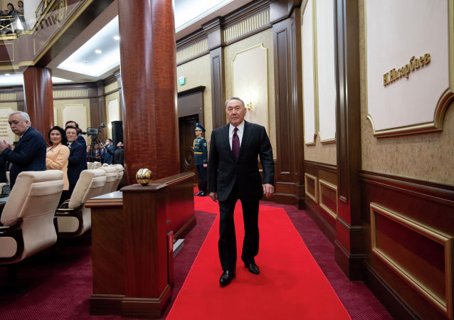 Нурсултан Назарбаев в ходе совместного заседания палат парламента