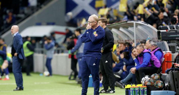 Главный тренер сборной Шотландии Алекс Маклиш
