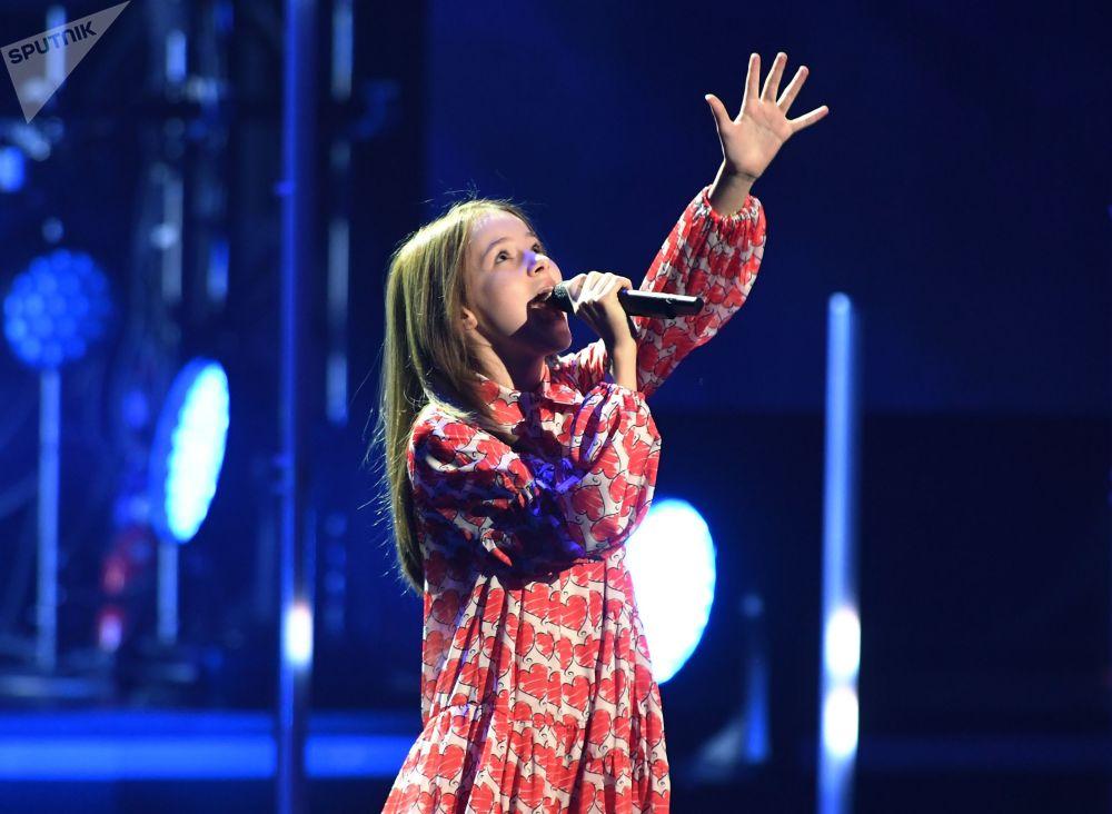 Певица Данэлия Тулешова во время церемонии вручения музыкальной премии BraVo