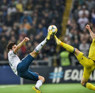 Первый тайм матча Казахстан - Россия