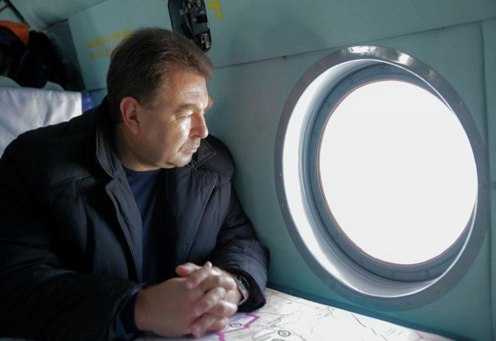 Замминистра МВД РК Юрий Ильин во время облета приграничных территорий города