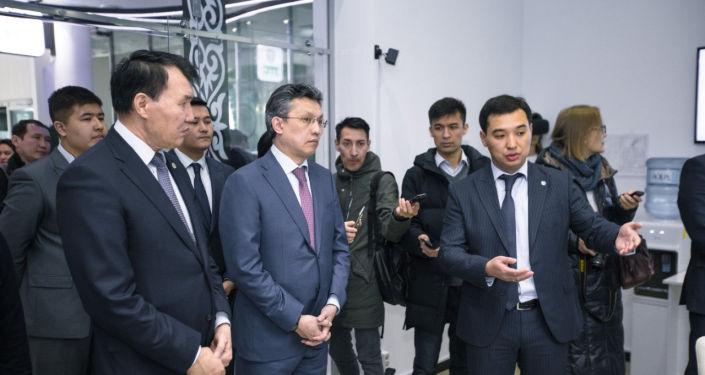 Бахыт Султанов и Алик Шпекбаев посетили цифровой ЦОН на территории ЭКСПО