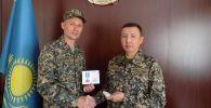 Сержанта Алексея Кудиенко наградили медалью за спасение жизни девочки