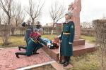 Церемония возложения цветов к обелиску воинов Внутренних войск, погибших при исполнении воинского долга по охране внешних границ СНГ на таджикско-афганском участке в 1995 году