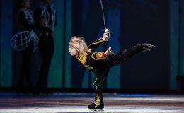 Александр Плющенко выступает в ледовом шоу Щелкунчик 2