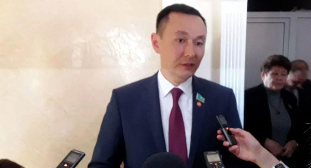 Секретарь центрального комитета КНПК Айкын Конуров