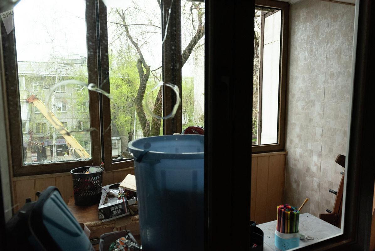 Подтопленная квартира, принадлежащая семье Вычинских