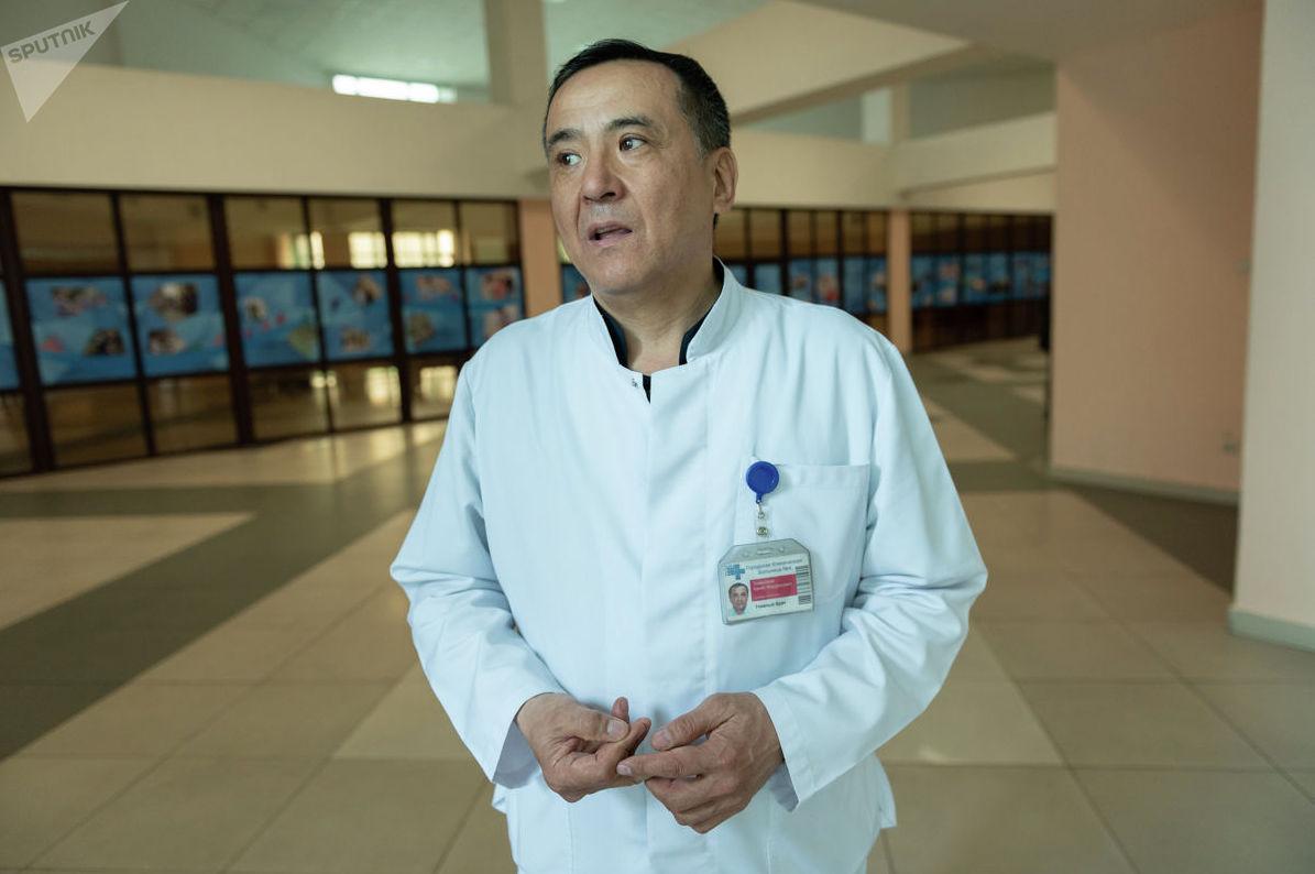 Главный врач городской клинической больницы № 4 города Алматы Канат Тезекбаев