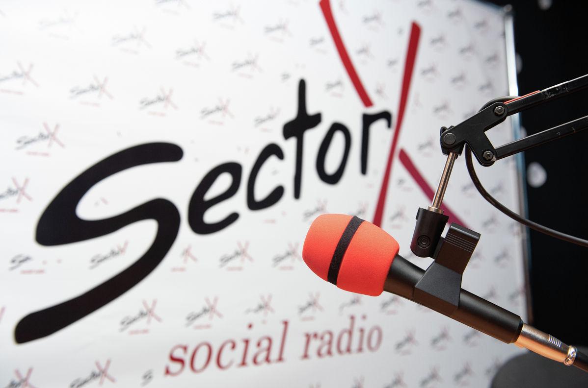 Sector X - радиостанция со слабовидящими ведущими