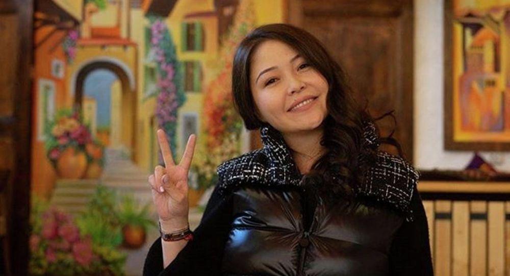 Актриса Әсел Сәдуақасова
