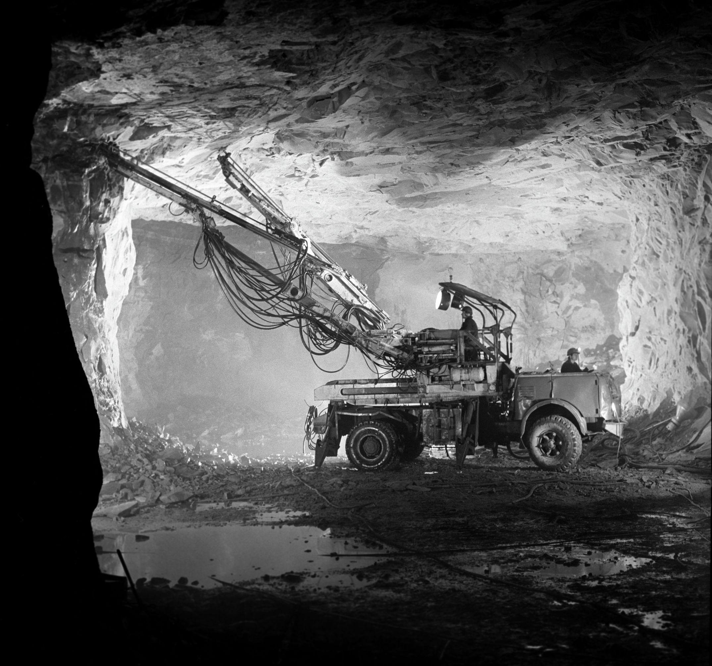 Добыча медных руд в шахте Жезказганского горно-обогатительного комбината, архивное фото, 1975 год