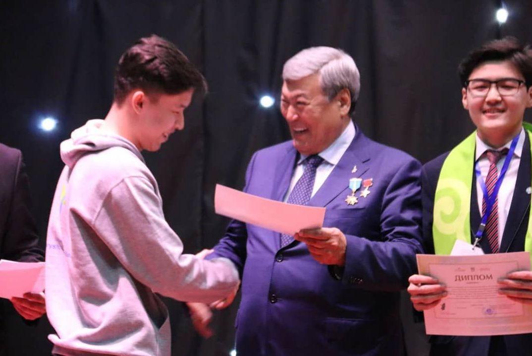 Жас ғалым Әлихан Тәліпбаев