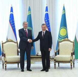 Президент Казахстана Касым-Жомарт Токаев и президент Узбекистана Шавкат Мирзиёев