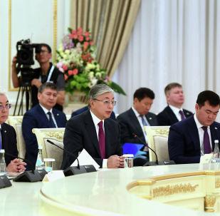 Президент Казахстана Касым-Жомарт Токаев во время визита в Узбекистан